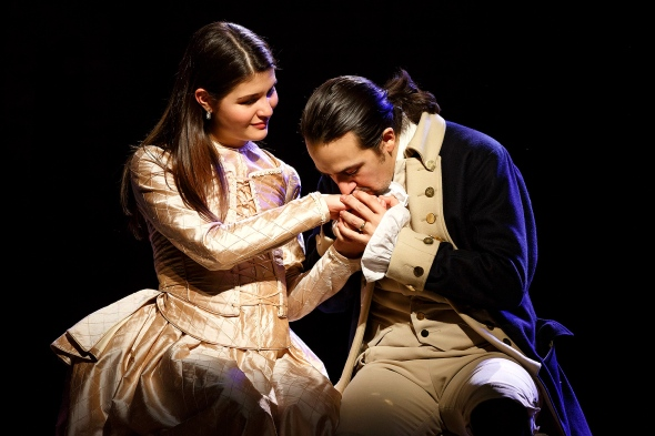 Phillipa Soo and Lin-Manuel Miranda (Photo: Joan Marcus)